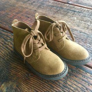 Cole Haan Lil Champ Chukka boots